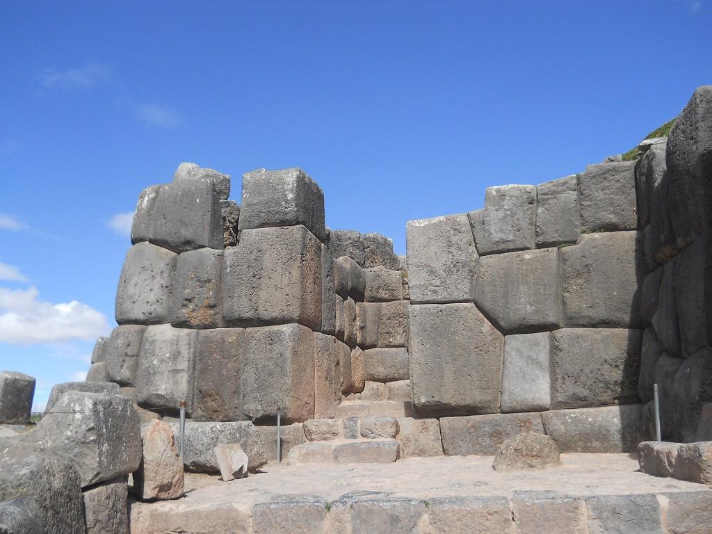 cusco sacsayhuamán 06: die mauern der terrassenstufen 2 und 3