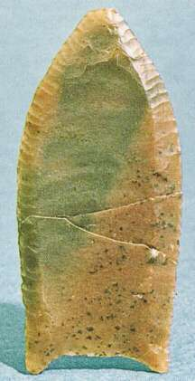 Poblamiento del continente Americano 002-folsomkultur-spitze-aus-stein
